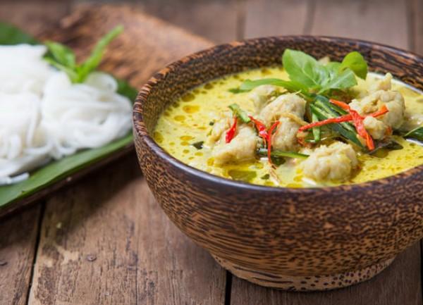 Thailändisches Grünes Hühnchen Curry